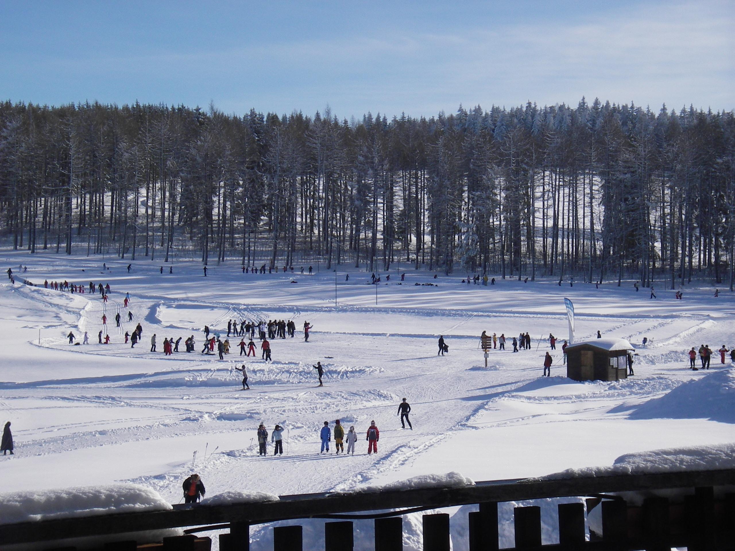 Effervescence sur le stade de neige avec l'Ecole de Ski